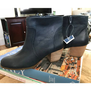 NWT Sole Society So-Romy Blue Ankle Boots 6B